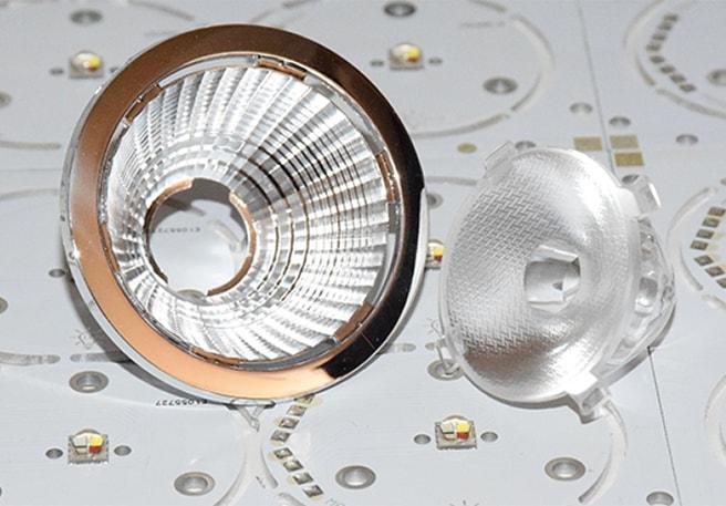 RGBW led modulok speciális, nagy fényhasznosítású optikával